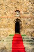 Red carpet to the church — Zdjęcie stockowe
