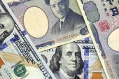 American dollars and yens- concept of currency exchange rate — Stockfoto
