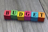 Concept of budget word on wooden cubes — Stock Photo