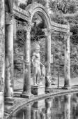 Greek Statue of Ares, inside Villa Adriana (Hadrian's Villa), Ti — Stock Photo