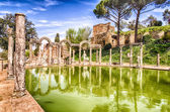 The Ancient Pool called Canopus in Villa Adriana (Hadrian's Vill — Stock Photo