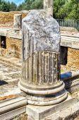 Ruins of Corinthian Columns at Villa Adriana (Hadrian's Villa), — Stock Photo