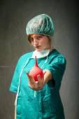 Surgeon in green uniform emotions — Foto de Stock
