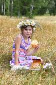 Girl at field — Stock Photo