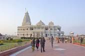 People comes to Prem Mandir — Stock Photo