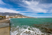 Waterfront views of Yalta in the winter sunny day — Stock Photo