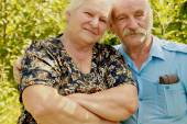 Mature couple in summer — Stock Photo