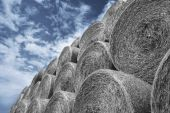 Haystacks over summer sky — Stock Photo