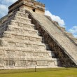 Chichen Itza Kukulkan temple pyramid Mexico — Stock Photo #54071859