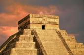 Chichen Itza equinox Kukulkan temple pyramid Mexico  — Stock Photo
