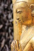 Golden statue at the  Swayambhunath site in Kathmandu, Nepal — Stock Photo