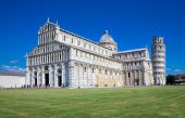The Duomo and the Leaning Tower of Pisa — Stock Photo