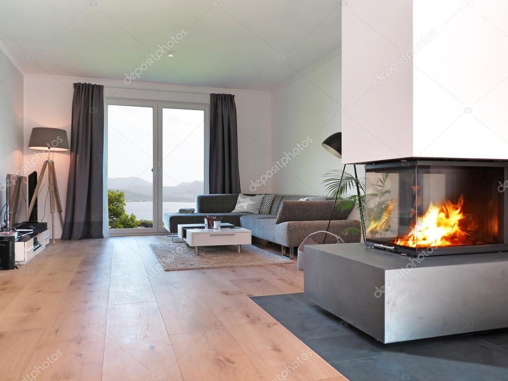 moderne wohnzimmer mit kamin stockfoto 83336282. Black Bedroom Furniture Sets. Home Design Ideas