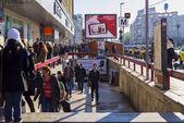 Crowded Unirii Square subway station entrance — Stock Photo
