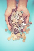 Hands holding money  with filter effect retro vintage style — Stock Photo