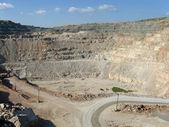 Pilaroscia career fluxing limestone — Stock Photo
