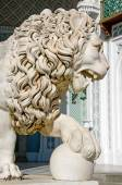 Sculpture of lion in Vorontsov Palace — Stock Photo