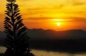 Sunset over mountain range — Stock Photo