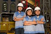 Kinderen in elektriciteitscentrale — Stockfoto