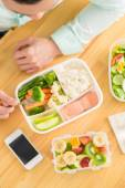 Manager eating healthy lunch — Stock Photo