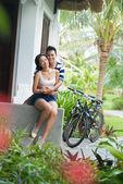 Couple on porch — Stock Photo