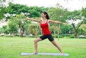 战士瑜伽姿势 — 图库照片