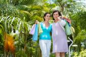 Vietnamese shopaholics — Stock Photo