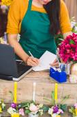 Putting down orders — Stock Photo