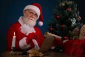 サンタさんの書き込みウィッシュ リスト — ストック写真