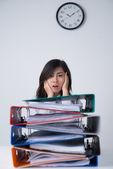 Blick auf den Haufen Papierkram Manager — Stockfoto