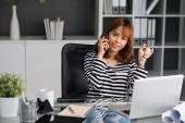 Businesswoman   listening to client — Stock Photo