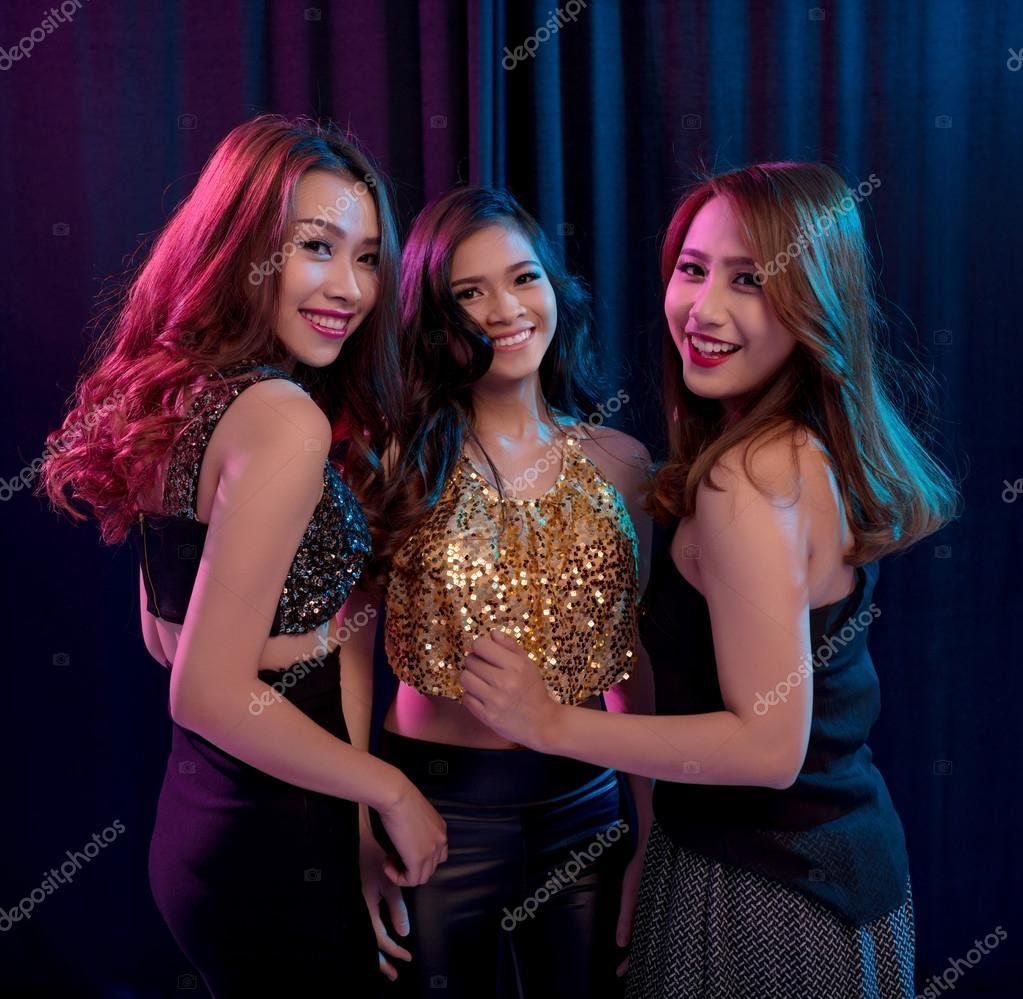 Фото девушек в клубах 28 фотография