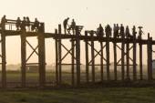 Mandalay, MYANMAR - DEC 19: daily life around the wooden bridge  — Stock Photo