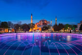 Twilight time scene of Ayasofya or Hagia Sophia, a former Orthodox patriarchal basilica, later a mosque and now a museum in Istanbul, Turkey — Стоковое фото
