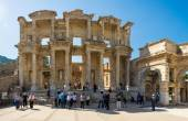 Ruins of the library of Celsus in Ephesus on April 13, 2015. Ephesus contains the ancient largest collection of Roman ruins in the eastern Mediterranean. — Stock Photo
