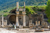 Tourists in Ephesus, Turkey — Stock Photo