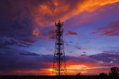 Wieża radiowo-telewizyjna sylwetki — Zdjęcie stockowe