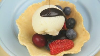 Preparing Berry Dessert — Stock Video