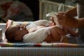 Mum night nappy newborn — Stock Photo