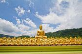 Thai Golden Buddha Statue. Buddha Statue in Thailand — Stock Photo