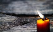 Candles on old wooden floor — Stockfoto