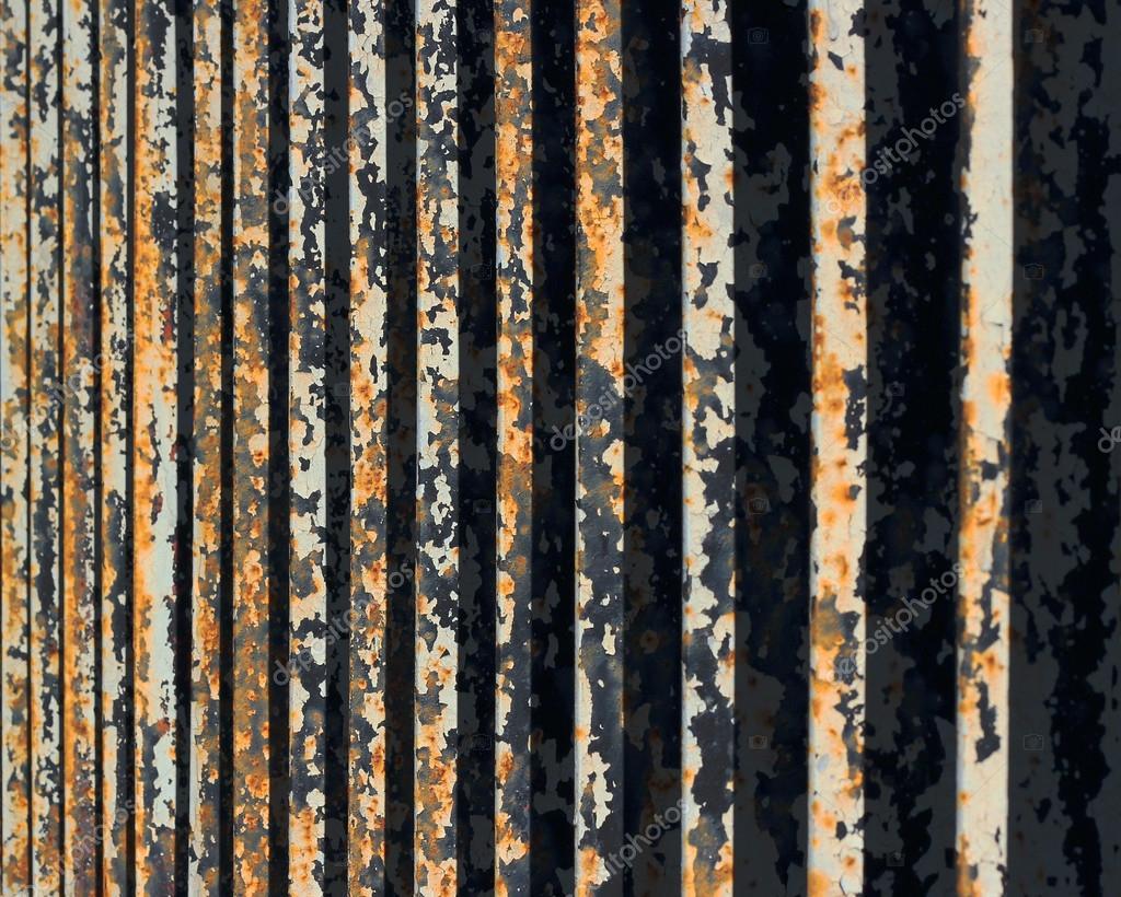 Barva na rezavý plot