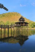 Wood Thai pavilion reflect in pool — Stock Photo