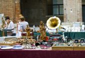 Antique market in Rimini, Italy — 图库照片