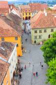 SIGHISOARA, ROMANIA - JULY 17: Aerial view of Old Town in Sighisoara, major tourist attraction on July 17, 2014. City in which was born Vlad Tepes, Dracula — Foto Stock
