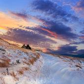 Winter mountain landscape and beautiful sunset — Stock Photo
