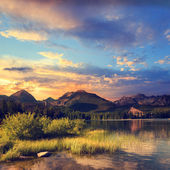 Mountain lake in National Park High Tatra, Strbske pleso, Slovakia, Europe — Stock Photo