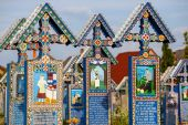 SAPANTA,ROMANIA - 04 JULY, 2015- The merry cemetery of Sapanta, Maramures, Romania. Those cemetery is unique in Romania and in the world. — Stock Photo