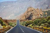 Estrada das terras altas, em Tenerife, Ilhas Canárias, Espanha — Fotografia Stock