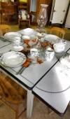 Staré staromódní kuchyňský stůl — Stock fotografie